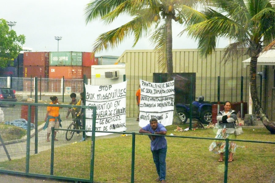 Starting the holiday with a protest at the harbour